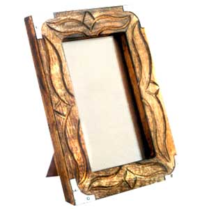 Antique Finish Wooden Photo Frame (Metallic Corner)