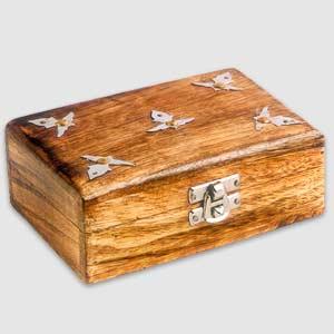 Antique Finish Wooden Box, Metallic Work (Plain-Am)