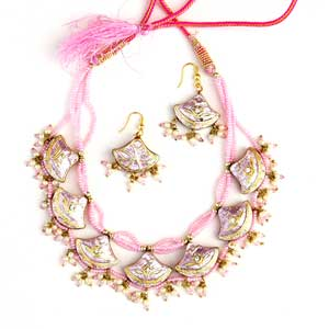 Pink Lacquer Necklace Set