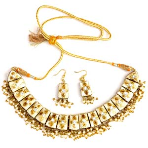 Beaded Golden Lacquer Necklace Set
